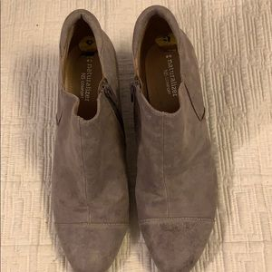 "NATURALIZER 9m ""Nola"" 2.5"" heeled booties comfort!"